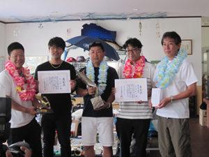 優勝のしんげんチームと121キロ3mのクロカジキ